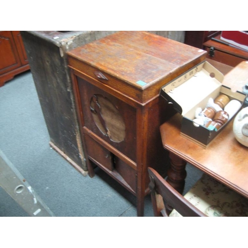 283 - Edwardian Oak cased Cabinet Gramaphone...