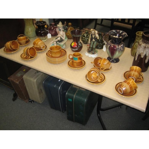 331 - Carrigaline Pottery Tea Set (40 pieces)...