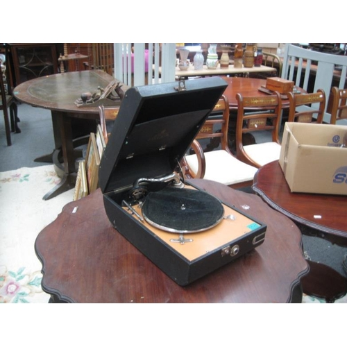 525 - Vintage cased Record Player...