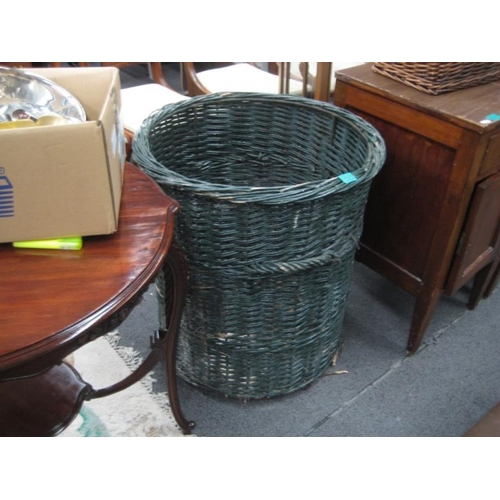 527 - Vintage Wicker Log or Turf Basket...