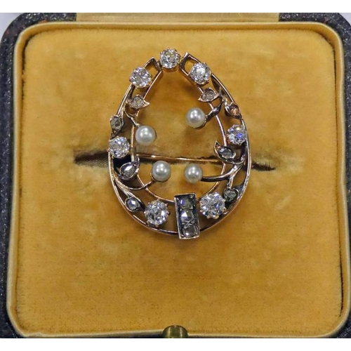 57 - LATE 19TH CENTURY OR EARLY 20TH CENTURY PEARL & DIAMOND SET HORSESHOE SHAPED BROOCH - 2 CM WIDE