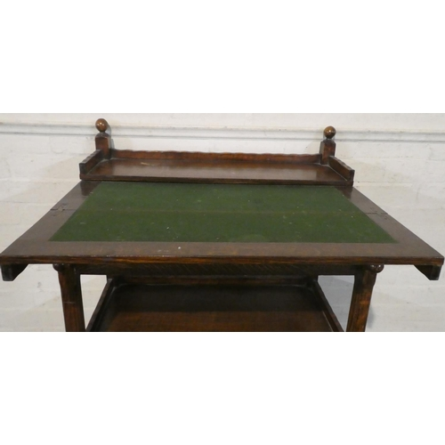 39 - An Edwardian Oak Galleried Tea/Games Table with Hinged Top to Inner Baize Covered Playing Surface, S...