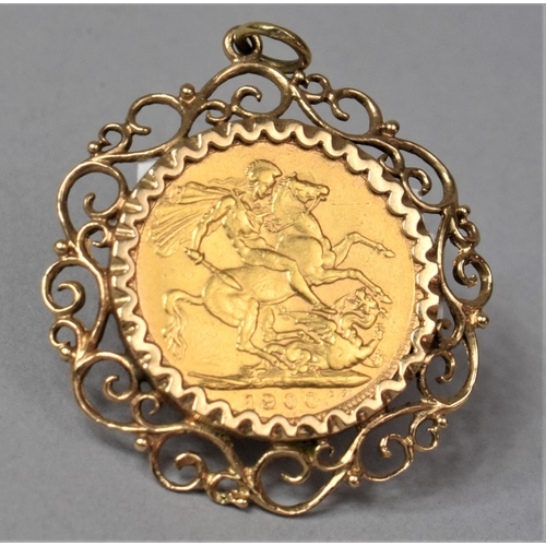 A Victorian Sovereign, 1900 with Veiled Head in Good Condition and Mounted in 9ct Rose Gold Pendant Frame