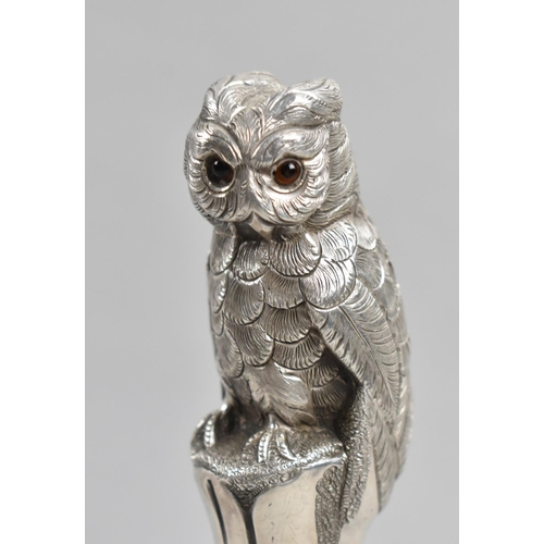 19 - A Very Good Quality American Sterling Silver Walking Cane Handle in the Form of a Long Eared Owl wit...
