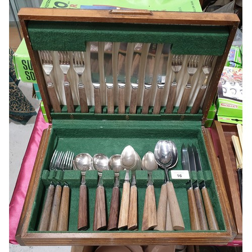 16 - A vintage canteen of cutlery.  No in house shipping, please collect or arrange a shipper.