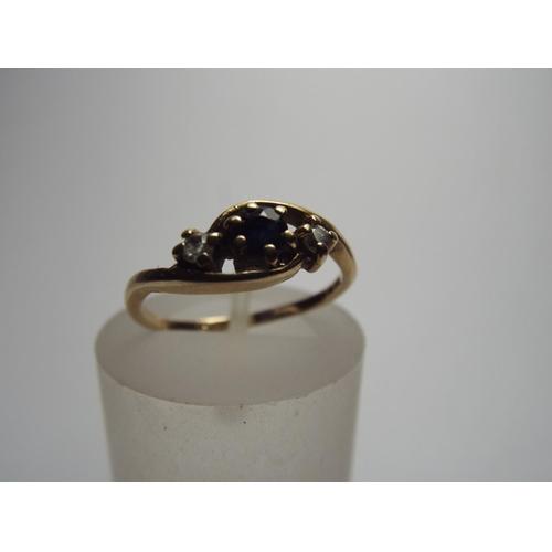 60 - 9ct Sapphire set ring, 1.6g Finger size 'J'...