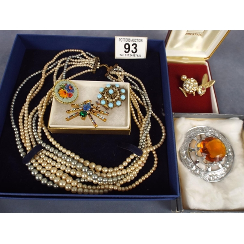 93 - Selection of nicely boxed good quality costume jewellery...