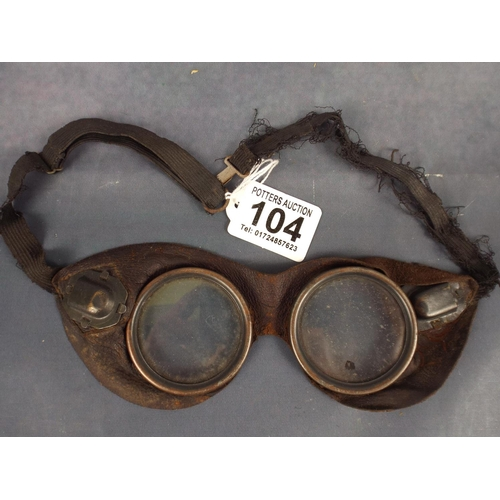 104 - pair of vintage Motorcycle or aviation goggles...