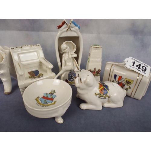 149 - Vintage crested ware items...