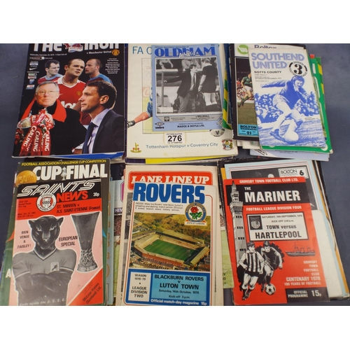 276 - Tray of assorted football programmes & magazines...