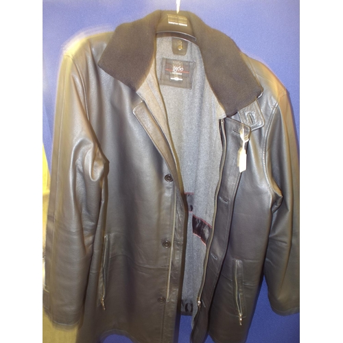 309 - Gents faux leather coat with fabric collar. Size large, as new condition...