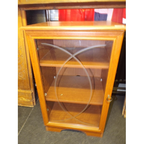 368 - Glass fronted bookshelf with two shelves...