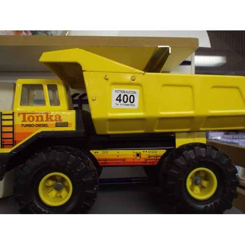 400 - Large Tonka dumper truck...
