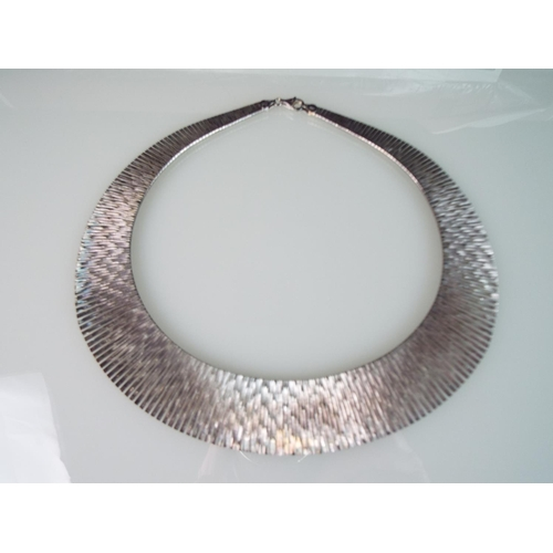 5 - Sterling Silver Cleopatra style necklace. 45g.  With presentation box....