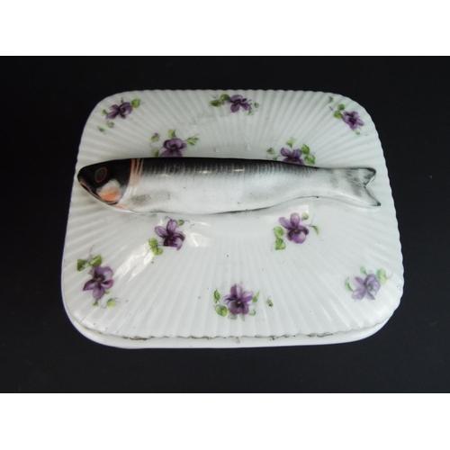25 - Pretty flower encrusted Dresden porcelain basket plus lidded sardine dish