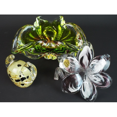 29 - Murano art glass flower, Caithness Cat paperweight plus one other Murano style tricorn bowl.