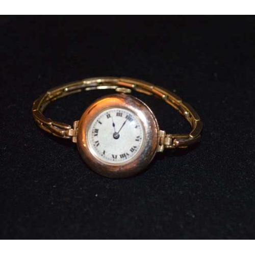 551 - A Nice 9ct Gold Ladies Wrist Watch...