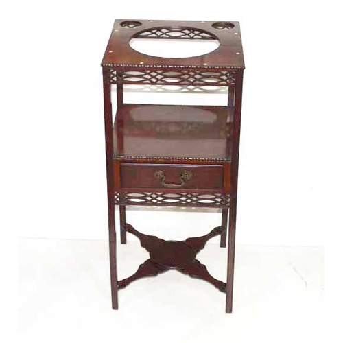 44 - A Chippendale Stlye mahogany Washstand