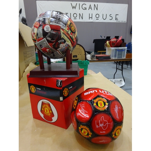32 - Manchester United lamp, football ornament & football...