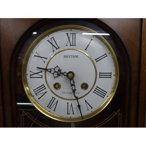 57 - Rhythm, Westminster chime battery wall clock...