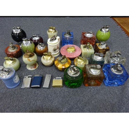 413 - Selection of vintage lighters - various makes (A)...