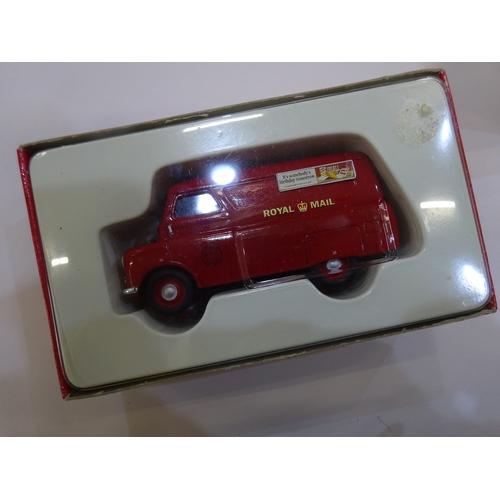 135 - Corgi van & bus models (5 boxes) M1...