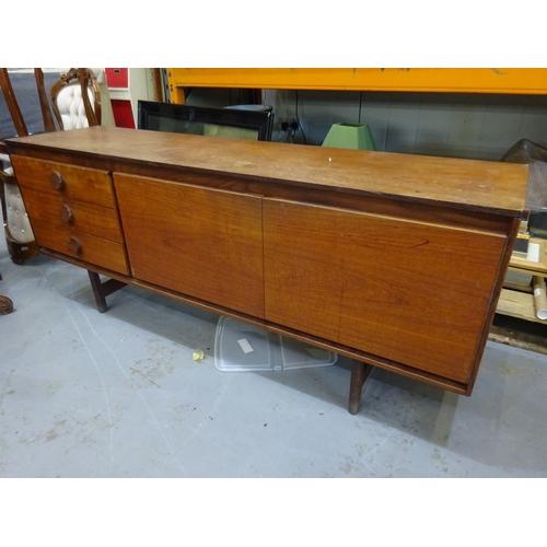 112 - Long midcentury sideboard...