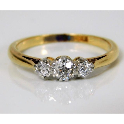 52 - An 18ct gold ring set with approx. 0.35ct diamond 2.7g size L/M...