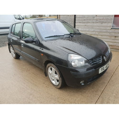 59 - Renault clio. 2004. Diesal. 113,000 miles. Car driving well. No mot....