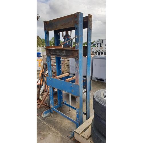 55 - 20tonne hydralic press...