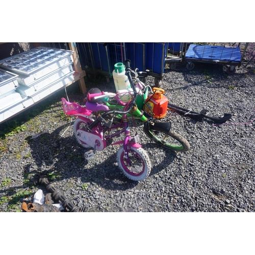 31 - lot kids bikes