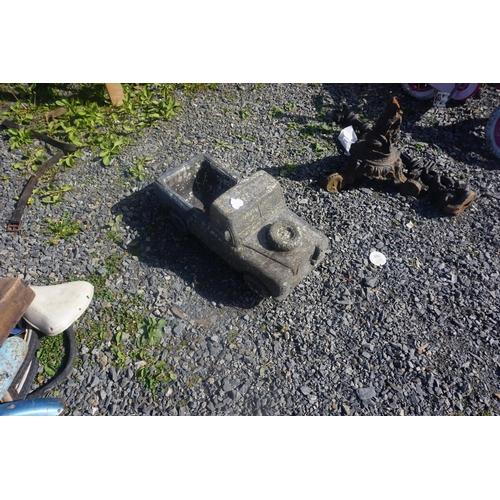 33 - concrete landrover