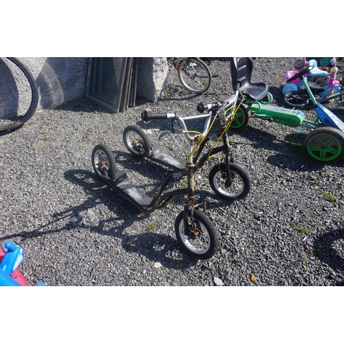 43 - 2 kids scooters