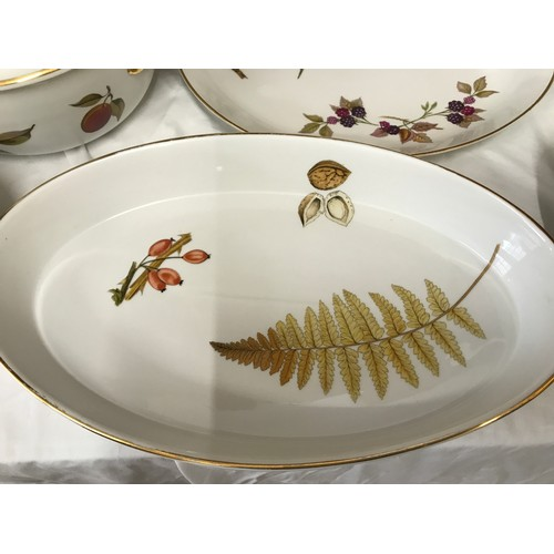 12 - A selection of Royal Worcester