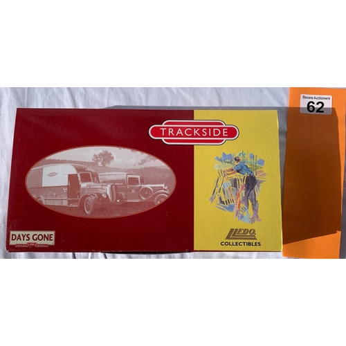 62 - Lledo Days Gone Trackside boxed set BR1001