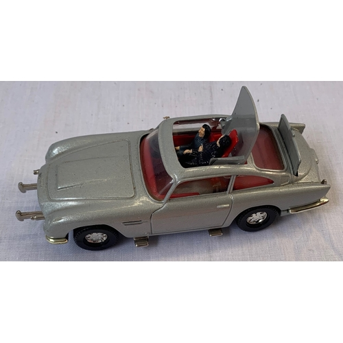 143 - Unboxed Corgi Aston Martin James Bond model complete