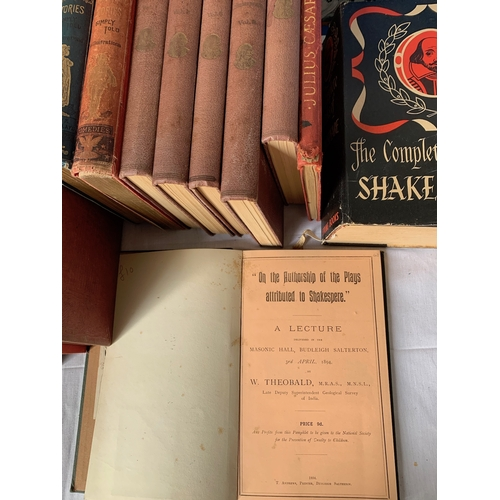 409 - Works of Shakespeare - large lot of plays, notes etc