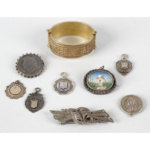 345 - A small selection of silver and other jewellery, to include six various pendants or medallions, a ge...