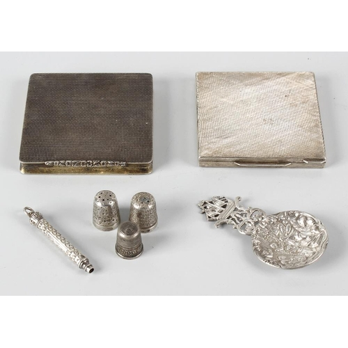 348 - A small selection of various silver items, to comprising a William IV caddy spoon, hallmarked George...