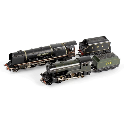 560 - A box containing a selection of eight 00 gauge model railway locomotives, to include Wrenn 'City of ...
