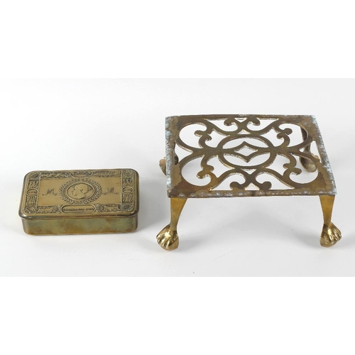 638 - A box containing a brass framed fire screen inset with a hand painted mirrored panel, brass kettle w...