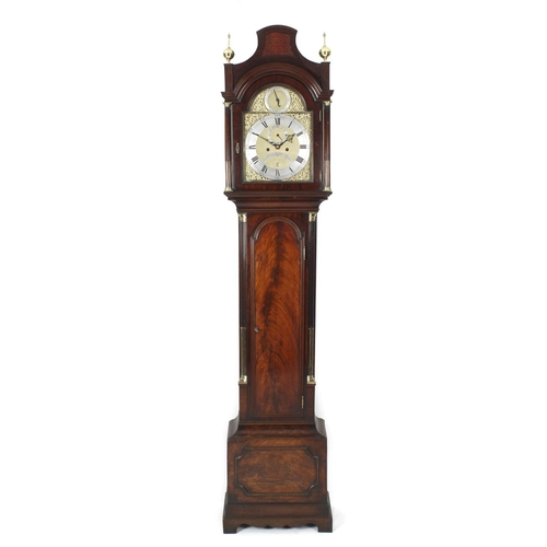 841 - A fine George III mahogany-case 8-day brass dial longcase clock. Richard Donisthorpe, London, circa ...