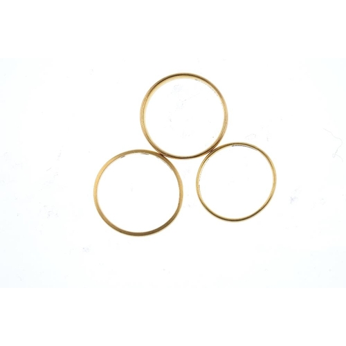 843 - Three 22ct gold band rings. Hallmarks for 22ct gold. Weight 5.6gms <br><li>Overall condition fair to...