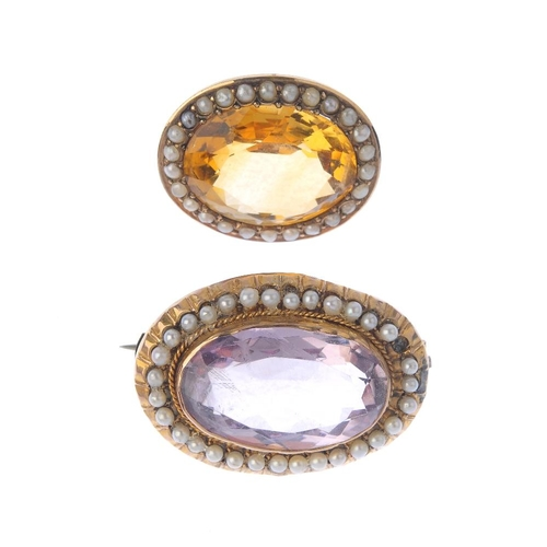 900 - Two early 20th century 9ct gold gem-set and split pearl brooches. Each designed as an oval-shape ame...