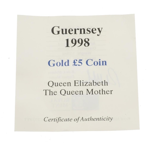 117 - Guernsey, Elizabeth II, gold £5 1998, 24ct., wt. 1/25oz. As issued.  <br>As issued.  <br>...