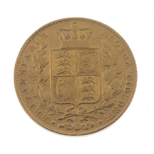 19 - Victoria, Sovereign 1847, young head, rev. shield (S 3852). Good fine.  <br>Good fine.  <br>...