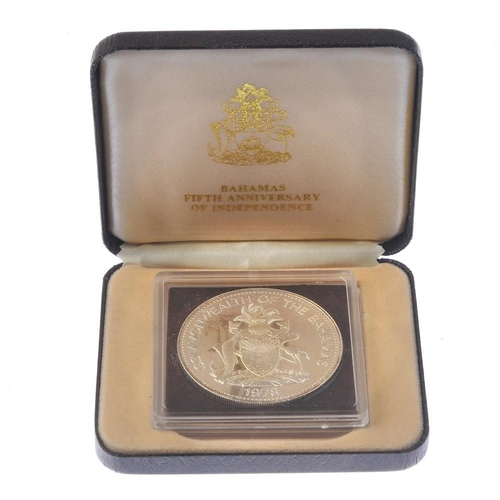 200 - Bahamas, silver proof 10-Dollars 1978, cased; British silver proof Jubilee Crown 1977, cased. As str...