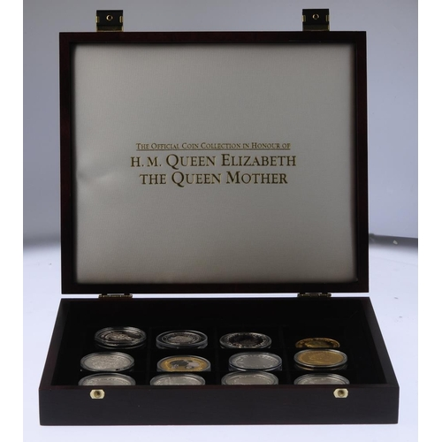 212 - Elizabeth II, silver proof Jubilee Crowns 1977 (2), cased, other Crownsized sterling silver proof co...