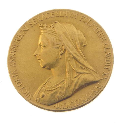 245 - Victoria, Diamond Jubilee 1897, official Royal Mint medal in gold, small size, by GW de Saulles, 26m...