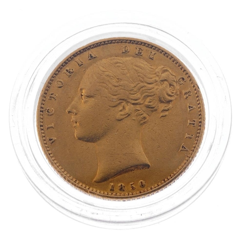 42 - Victoria, Sovereign 1850, rev. shield (S 3852C). About very fine.  <br>About very fine.  <br>...